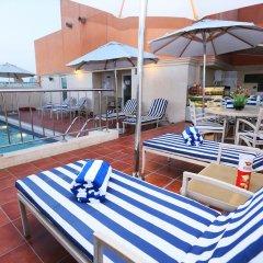 Отель Al Hamra Hotel ОАЭ, Шарджа - отзывы, цены и фото номеров - забронировать отель Al Hamra Hotel онлайн бассейн фото 3