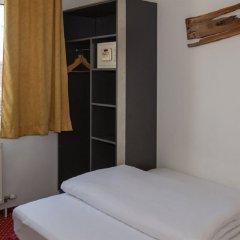 Arion Airport Hotel сейф в номере
