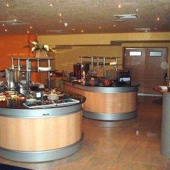 Отель Koral Болгария, Св. Константин и Елена - 1 отзыв об отеле, цены и фото номеров - забронировать отель Koral онлайн гостиничный бар