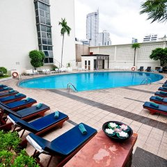 Narai Hotel бассейн фото 2