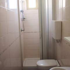 Отель Marilena Италия, Римини - отзывы, цены и фото номеров - забронировать отель Marilena онлайн ванная фото 2