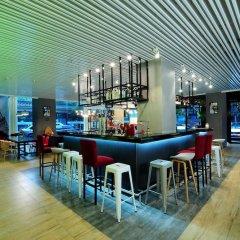 Отель Super 8 Xian Big Wild Goose Pagoda гостиничный бар