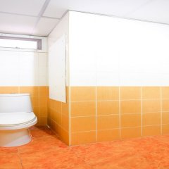 Отель OYO 411 Grandview Condo 15 Бангкок ванная фото 2