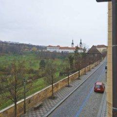 Отель Golden Apple Apartments Чехия, Прага - отзывы, цены и фото номеров - забронировать отель Golden Apple Apartments онлайн балкон