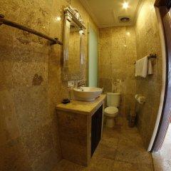 Отель Bayshore Villas Candi Dasa Индонезия, Бали - отзывы, цены и фото номеров - забронировать отель Bayshore Villas Candi Dasa онлайн ванная