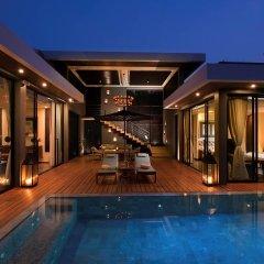 Отель V Villas Hua Hin MGallery by Sofitel бассейн
