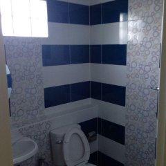 Отель Sirarom Land Бангкок ванная