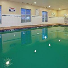 Отель Candlewood Suites Lafayette бассейн