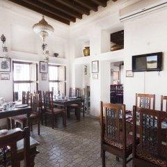 Отель Barjeel Heritage Guest House гостиничный бар