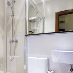 Отель Hostal Castilla I Испания, Мадрид - отзывы, цены и фото номеров - забронировать отель Hostal Castilla I онлайн ванная фото 2