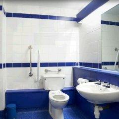Отель Travelodge Manchester Piccadilly ванная