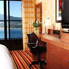 Отель Pinnacle Hotel Harbourfront Канада, Ванкувер - отзывы, цены и фото номеров - забронировать отель Pinnacle Hotel Harbourfront онлайн удобства в номере фото 2