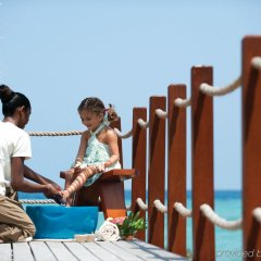 Отель Four Seasons Resort Maldives at Kuda Huraa пляж