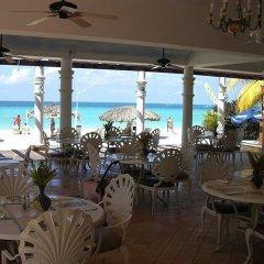 Отель Beachcomber Club Resort Ямайка, Саванна-Ла-Мар - отзывы, цены и фото номеров - забронировать отель Beachcomber Club Resort онлайн питание фото 2
