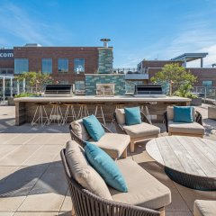 Отель Global Luxury Suites at Woodmont Triangle South фото 6
