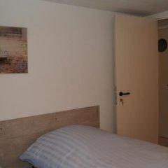 Отель Esperanza Guest House сейф в номере