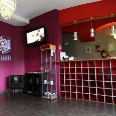 Отель Boogie Hostel Deluxe Польша, Вроцлав - отзывы, цены и фото номеров - забронировать отель Boogie Hostel Deluxe онлайн гостиничный бар
