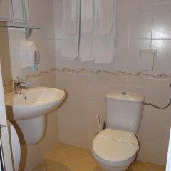 Отель Ustra Болгария, Карджали - отзывы, цены и фото номеров - забронировать отель Ustra онлайн ванная фото 2