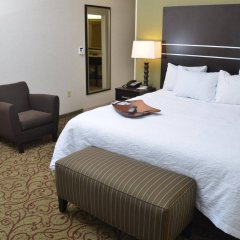 Отель Hampton Inn & Suites Sharon, PA комната для гостей фото 2