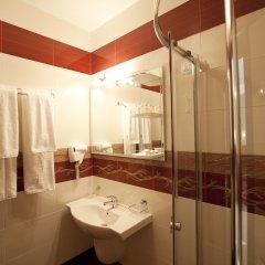 Hotel Aris ванная