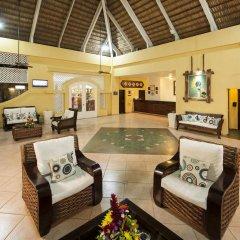 Отель Casa Marina Beach & Reef All Inclusive интерьер отеля
