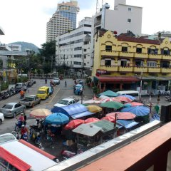 Апартаменты Baan Taweesup Apartment балкон