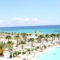 Отель Vrissiana Beach Hotel Кипр, Протарас - 1 отзыв об отеле, цены и фото номеров - забронировать отель Vrissiana Beach Hotel онлайн пляж фото 3