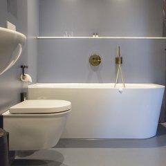 Отель THE FRITZ Düsseldorf Германия, Дюссельдорф - отзывы, цены и фото номеров - забронировать отель THE FRITZ Düsseldorf онлайн ванная фото 2