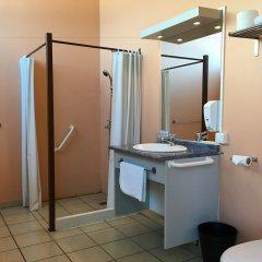 Отель Tahiti Airport Motel Французская Полинезия, Фааа - 1 отзыв об отеле, цены и фото номеров - забронировать отель Tahiti Airport Motel онлайн ванная