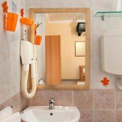 Отель Grappoli Италия, Римини - отзывы, цены и фото номеров - забронировать отель Grappoli онлайн ванная