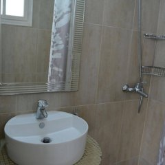 Отель Anemomilos Villa Греция, Остров Санторини - отзывы, цены и фото номеров - забронировать отель Anemomilos Villa онлайн ванная