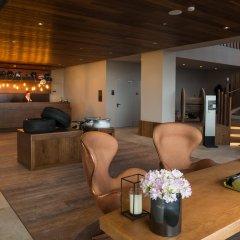 Отель AZOR Понта-Делгада гостиничный бар