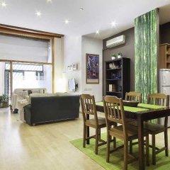 Апартаменты Home Around Gracia Apartments Барселона комната для гостей фото 5