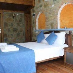 Отель Sirince Tas Konak Торбали комната для гостей фото 2