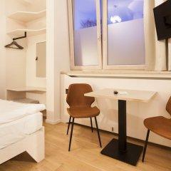 Отель Room For Rent Унтерхахинг фото 8