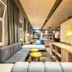 Отель a&o Berlin Mitte Германия, Берлин - 4 отзыва об отеле, цены и фото номеров - забронировать отель a&o Berlin Mitte онлайн интерьер отеля