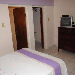 Отель Palm Bay Guest House & Restaurant Ямайка, Монтего-Бей - отзывы, цены и фото номеров - забронировать отель Palm Bay Guest House & Restaurant онлайн удобства в номере
