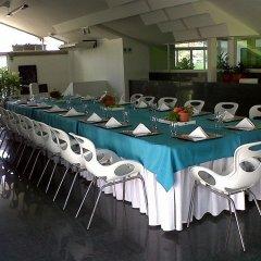 Отель Casa del Arbol Galerias Гондурас, Сан-Педро-Сула - отзывы, цены и фото номеров - забронировать отель Casa del Arbol Galerias онлайн бассейн фото 2