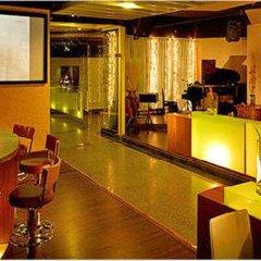 Grand Diamond Suites Hotel гостиничный бар