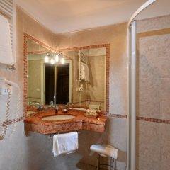 Отель La Meridiana ванная фото 2