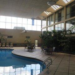 Отель Days Inn Columbus Airport США, Колумбус - отзывы, цены и фото номеров - забронировать отель Days Inn Columbus Airport онлайн бассейн фото 3