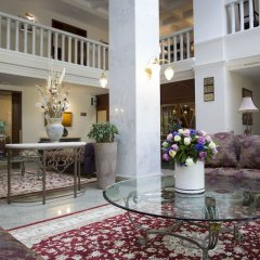Гостиница Atyrau Hotel Казахстан, Атырау - 4 отзыва об отеле, цены и фото номеров - забронировать гостиницу Atyrau Hotel онлайн интерьер отеля фото 3