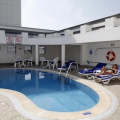 Avari Hotel Apartments бассейн фото 2