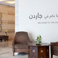Отель Hilton Garden Inn Dubai Al Muraqabat Дубай интерьер отеля фото 2