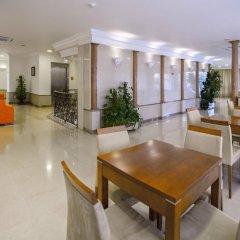 Отель Avenida de Fátima Португалия, Фатима - отзывы, цены и фото номеров - забронировать отель Avenida de Fátima онлайн интерьер отеля фото 3