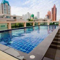 Отель Privacy Suites Бангкок бассейн