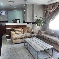 Отель Sara Hotel Apartment ОАЭ, Аджман - отзывы, цены и фото номеров - забронировать отель Sara Hotel Apartment онлайн интерьер отеля фото 3