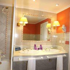Alcazar De La Reina Hotel ванная
