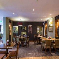 Отель Premier Inn London St.Pancras Великобритания, Лондон - отзывы, цены и фото номеров - забронировать отель Premier Inn London St.Pancras онлайн гостиничный бар