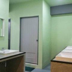 Samsen 8 Hostel Бангкок ванная